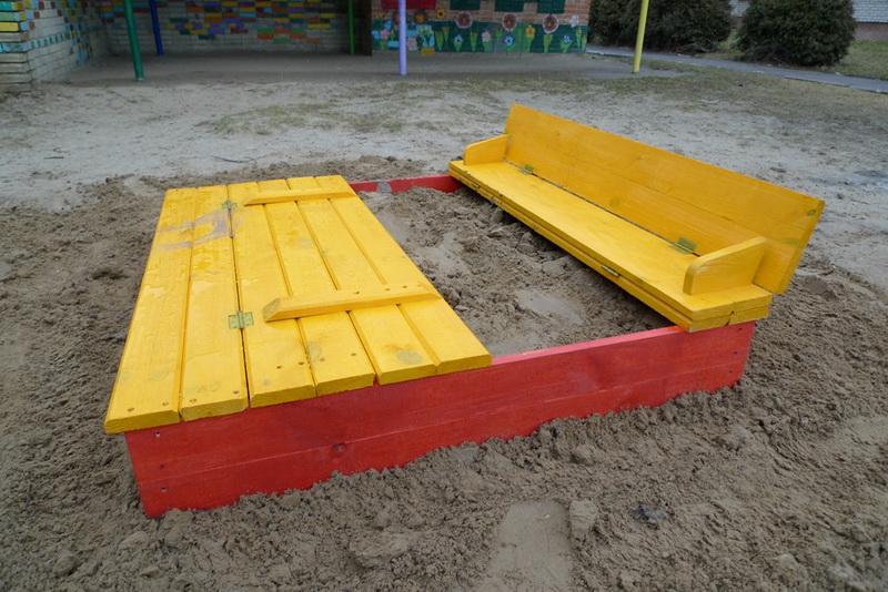 Песочница с крышкой для детей на дачу своими руками